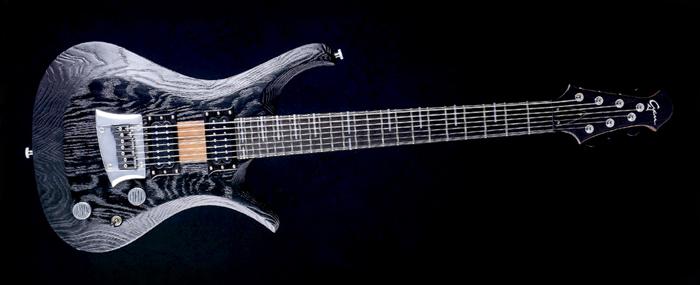 "V7 - 27,6"" Baritone custom made guitar - Blackburst"