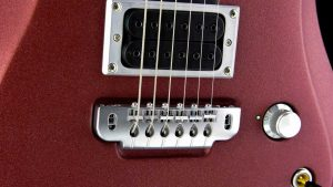 Ultimate V6 - Metallic Cherry - rock & metal guitar - bridge