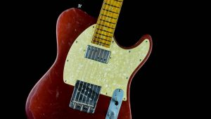 Versatile T-style guitar - Red Candy - Pickguard