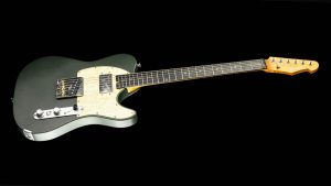 Versatile T-style guitar - Green Classic - side view