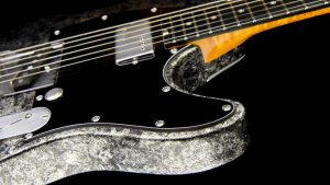 Versatile T-style guitar - Silver Camo - Custom Guitars - body cutaway
