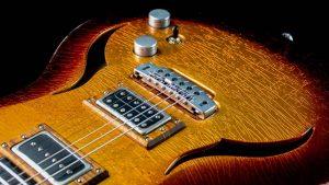 Breed - Golden Age - modern oldschool guitar - bridge + panel