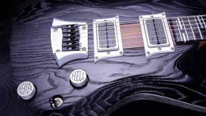 Hellcaster - Baritone guitar - Blackburst - bridge + pickup