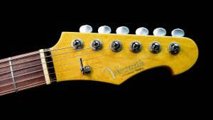 Versatile - Golden Bee - Custom Guitar - headstock