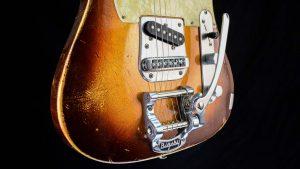 Versatile T-style guitar - Golden Bee - bridge and vibrato