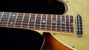 Versatile - Golden Bee - fingerboard