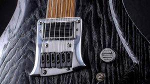 "Zodiac - 29"" Baritone guitar - Blackburst - bridge"