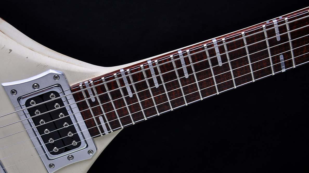 Phoenix - Chris Harms - Lord Of The Lost - Guitar Gallery - neck