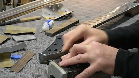 Einbau des Sattels in den Gitarrenhals - Ultimate
