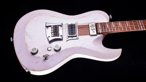 Hellcaster Rock Gitarre - Players White - Body seitlich