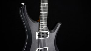 Ultimate - Silver Burst - Rock & Metal Gitarre - Schlagbrett