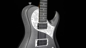 Ultimate - Silver Dragon - Rock & Metal Gitarre - graviertes Schlagbrett