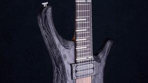 "V7 - 27,6"" 7-String Bariton Gitarren - Blackburst - Griffbrett"
