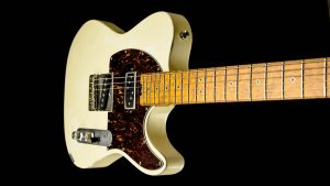 Versatile - Vintage White - Single Cutaway