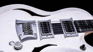 Breed - Players White - Custom Guitar - Schlagbrett + Brücke
