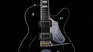 Black Hawk - FU Custom Gitarre - Schlagbrett