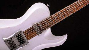 Hellcaster - Bariton Gitarren - Players White - Schlagbrett