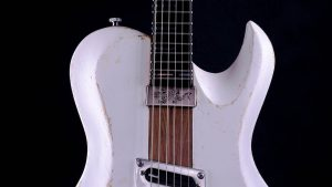 "Hellcaster - 29"" Bariton Gitarre SC - Players White - Schlagbrett"