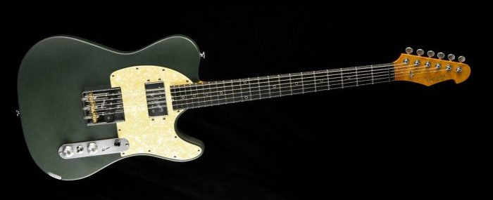 Versatile Green Classic T-Style Custom Gitarre handmade by Cyan Guitars