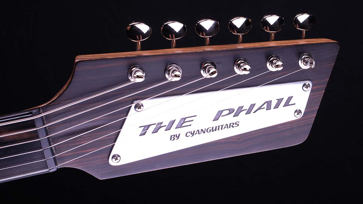 The Phail - Custom Guitar Gallery - Rick McPhail - Kopfplatte