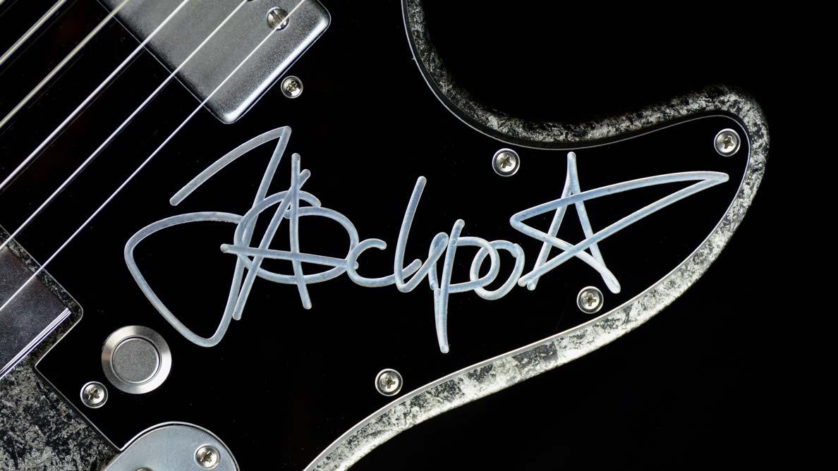 Versatile Jackpot Jakob Schulze Guitar Gallery_2