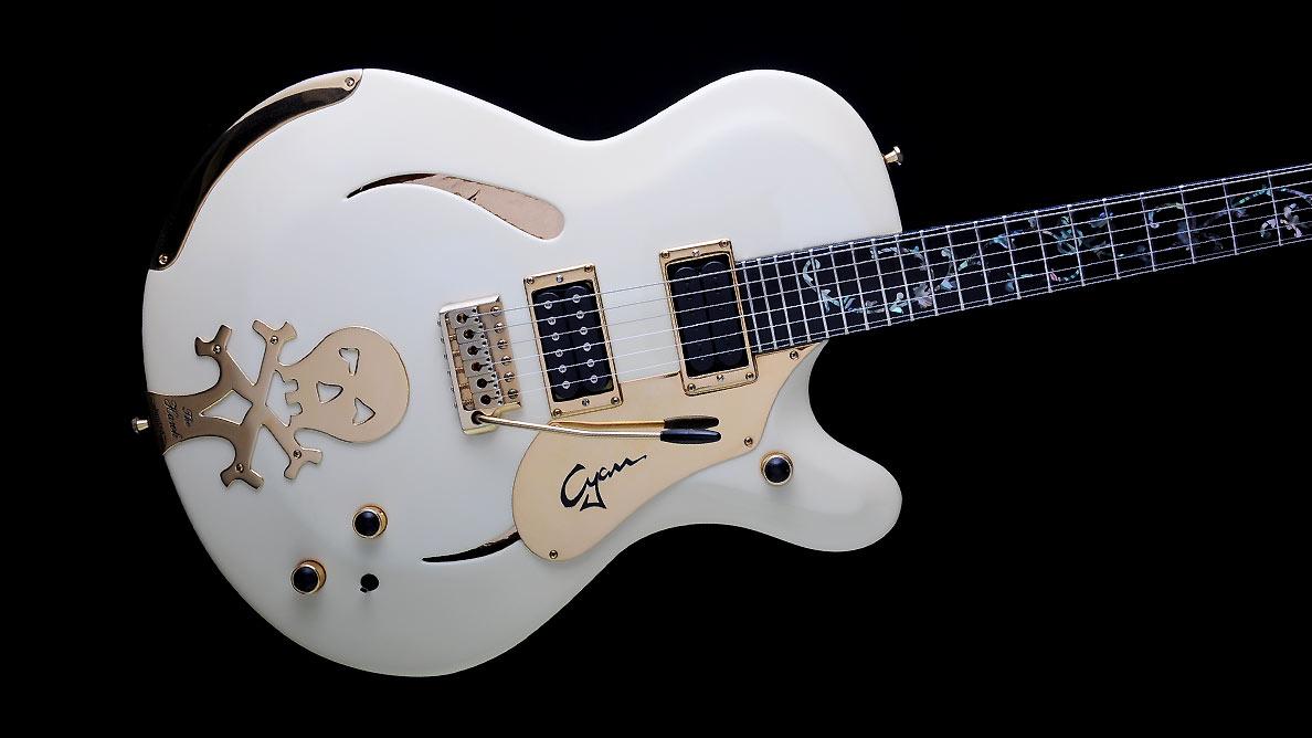 Farin Urlaub Custom Guitar Gallery - White Hawk - Body