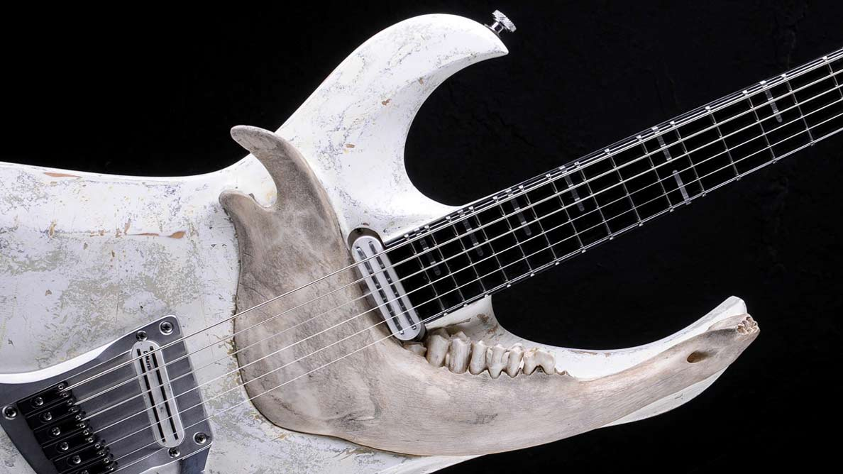 "Zodiac Bariton ""With Teeth"" - Guitar Gallery"