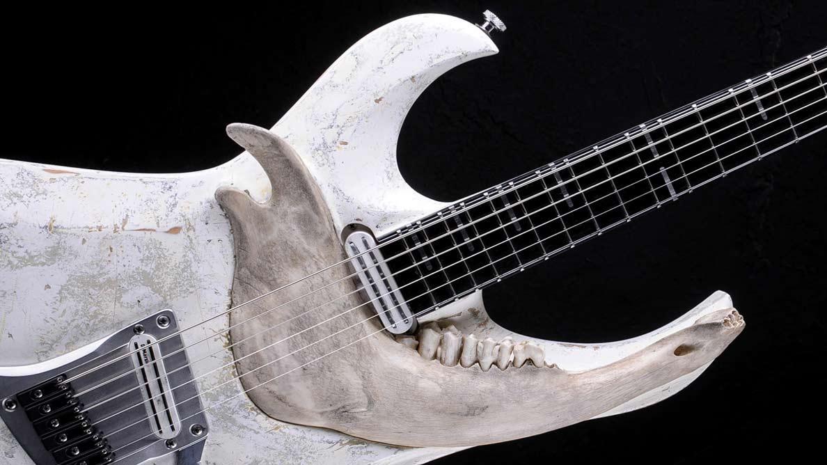 "Zodiac Bariton ""With Teeth"" - Guitar Gallery"