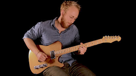 Versatile Golden Eye T-Style Guitar - Jakob Schulze